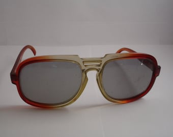 Vintage 1960's Retro Style Men's Sunglasses - See our huge collection of vintage eyewear