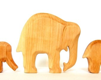 Waldorf Toys, Elephant with two Kids, Wooden animals