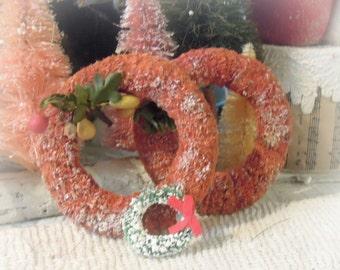 Three Vintage Christmas Wreaths / Bottle Brush / Tattered Pink Rrd Bottle Bruh Tree