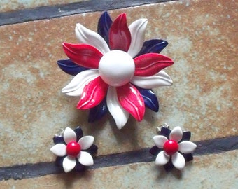 Vintage Unmarked 1960s Enamel Red White And Blue Pin Brooch And Clip On Earrings Floral Motif