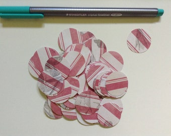 50 cardboard circles, pink and white stripes. 2,5 cm.