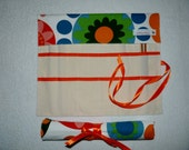Knitting Needle Roll In Bright Flower Print Fabric with 3 Pairs Bamboo Needles.
