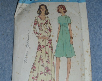 Look Slimmer Pattern Half Size  Two Sizes 22 1/2 and 24 1/2 SIMPLICITY 1975