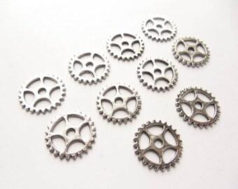 10 Antique Silver Steampunk Gears - 21-39-2