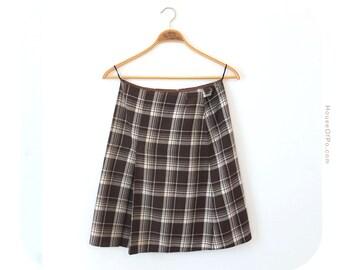 Vintage plaid skirt, plaid pattern skirt from the 1970's, wool skirt