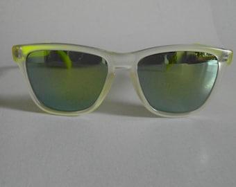 Vintage Translucent Smoky & Fluorescent Yellow Keyhole (Yellow Mirror Lenses) Square Frame Sunglasses
