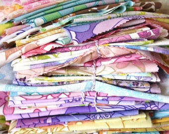 40z Retro floral vintage bundles // Scraps and remnants de stash // bed sheet  fabric uk