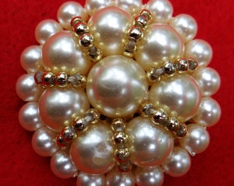Vintage Faux Pearl Clip On Earrings in White and Gold