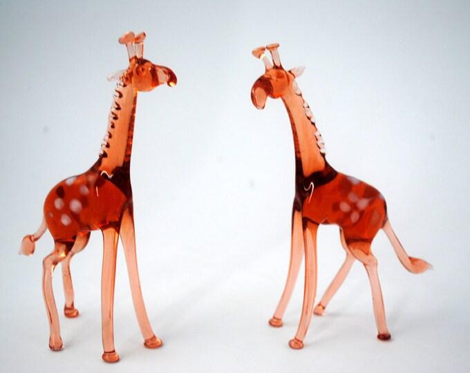 e33-18 Giraffe
