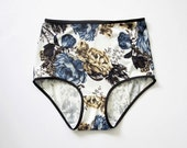 BLUE MOON: Floral patterned hipster style panties. Blue flowers. Panties for womens