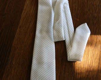 Vintage Wembley white skinny necktie