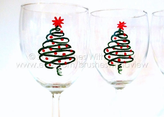Holiday wine glasses christmas table decor by brusheswithaview for Christmas glass painting designs
