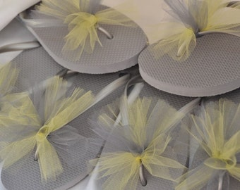 SALE!! Custom WEDDING Flip Flops, BRIDESMAID Flip Flops, Simple & Elegant Tulle Flip Flops, Gifts, Bridal Party Gift, Beach Weddings