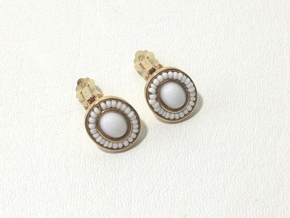 Liz Claiborne, Clip Earrings, White cabochon, Liz Earrings, Vintage Earrings, Oval Earrings, Summer Earrings