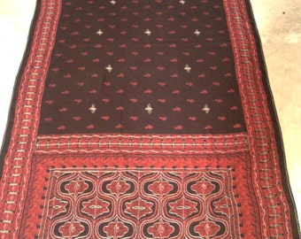 Vintage India Dupatta / Table Runner / Kantha Style / Old Spain look - Black/Red