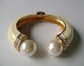 Gold Tone Enameling Cream Enamel Accented With Round Ball Faux Pearl & Sparkling Rhinestones Ends Hinged Bangle Cuff Bracelet FREE Necklace