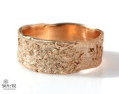 18k rustic wedding band, 14k rose gold wedding ring, wide band, unisex, men's band, women's band, textured tree bark, ogranic design, Israel