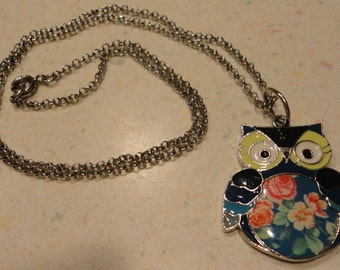 Vintage 1970 Retro Owl Necklace Colorful Flowered Silver Tone Costume Jewelry No Marking Valentines Day Gift Base Metal