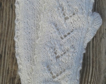 Lace Wristlets Knitting Pattern : Items similar to PDF knitting pattern for fingerless ...