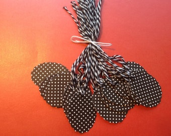 SUPER CLEARANCE - 25 Black & White Polka Dotted Gift / Merchandise Tags (821)