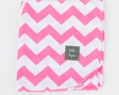 pink chevron swaddle blanket. baby girl. Soothing blanket. Stroller blanket. Lightweight summer swaddler. receiving