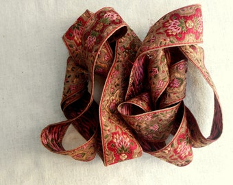 Gorgeous Vintage Ribbon Reds and Gold