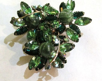 Vintage mid century  gorgeous chunky large GREEN RHINESTONE BROOCH  pin