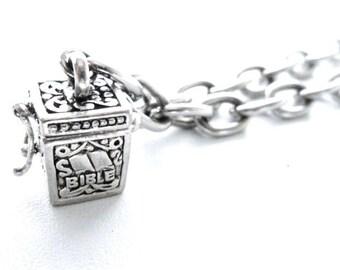 Vintage Silvertone 3D Bible Hinged & Clasp Prayer Box Charm Bracelet