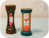 Fun and retro Country cottage collectable wooden hourglass sand timer two piece set with handpainted florals neon pink sand