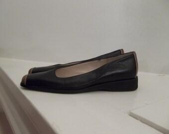 Roberto Capucci Leather Black & Tan 7AAA  Narrow Flats - Vintage
