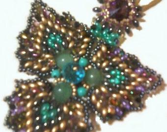 pendant necklace with Swarovski for, floral arrangement