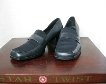 Navy Blue  Womens Loafers/Size 8M