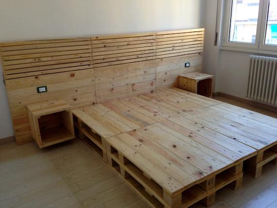 Articoli simili a letto matrimoniale con testiera retro - Spalliere letto in legno ...