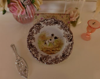 Dollhouse Miniature Hunting Dogs Pointer Plate