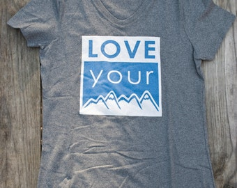 Women's- Love Your Mama- V Neck- Charcoal Gray