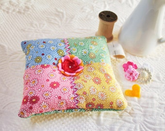Cute Pin Cushion in Daisy Feedsacks Floral Pink Fabric with Vintage Buttons Pincushion