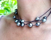 Tahitian pearls on leather - woman necklace choker