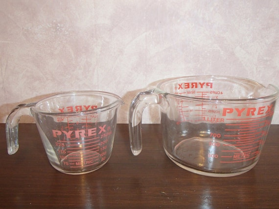 pyrex glass measuring cups 4 cup and 1 cup. Black Bedroom Furniture Sets. Home Design Ideas