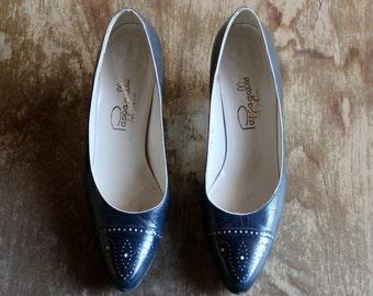 1980's Navy Leather Heels/ 80's Vintage Navy Heels/ Vintage Papagallo Heels