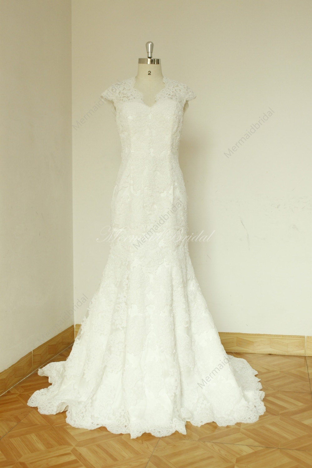 Fit and flare sleeves Vintage lace Wedding dress with Keyhole back, Mermaid wedding gown with scallop neckline