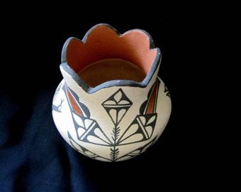 SALE: Zia Native American Pottery, by Irene Herera Zia, Signed pottery, Vintage OOAK Traditional Pot, Indigenous Art, Native Art, Harmony