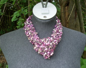 Pink and Cream   Knotted Trellis Yarn Necklace