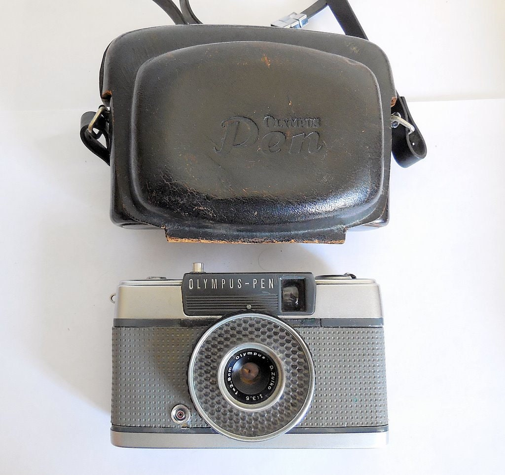 VINTAGE ANTIQUE OLYMPUS JAPAN OM10 SLR CAMERA, INTRODUCED ... |Olympus Vintage Camera