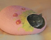 Felted pink Cat bed with flowers/ cat cave/ pet house M-XL - Wool4Art
