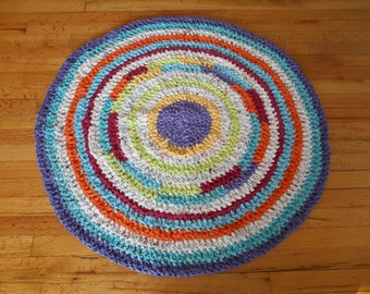 Made to order crocheted round rag rug.  Your color choices.  Bedroom/Nursery/childs room.