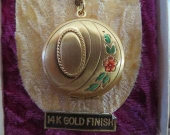 Feminine Retro Estate Locket Necklace in Original Box