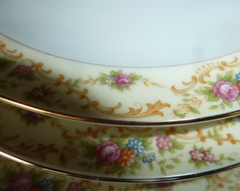 "Windsor Shape Meito China Dinner plates 22K gold,10"" diameter"