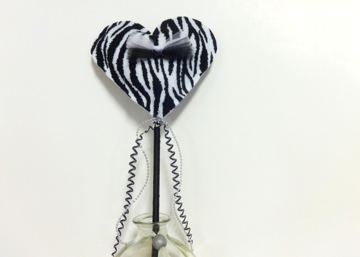 Zebra heart wand zebra print wand zebra birthday wand black for Birthday wand