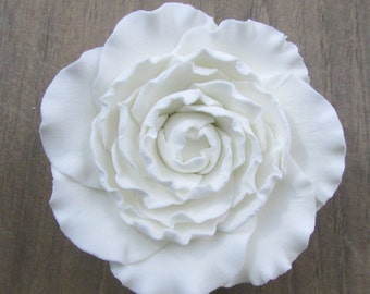 Gumpaste Ranunculas - White 2 inch 3 inch and buds Fondant Flowers