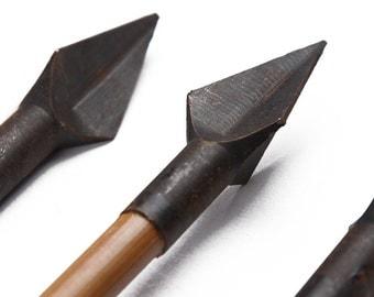Longbowmaker One Dozen Turkey Feathers Bamboo Shaft Rhombus Broadheads Archery Arrows BB1